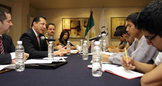 CNDH con normalistas de Ayotzinapa