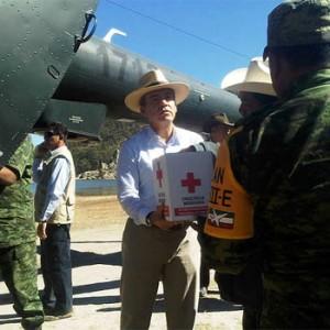 Calderón ayuda a tarahumaras