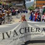 Habitantes de la comunidad purépecha de Cheran festejaron en abril pasado el tercer aniversario del levantamiento contra el crimen organizado. Foto: Víctor Camacho