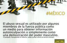 Mujeres cruzando la línea contra la militarización y la violencia   Imagen: JASS