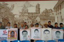 Familiares de los 43 piden justicia para los agraviados por el Estado mexicano