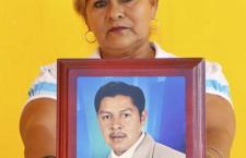 """""""Las mujeres del Colectivo somos unas guerreras, fuertes como el cemento puro"""": Celia, madre de desaparecido en Veracruz"""