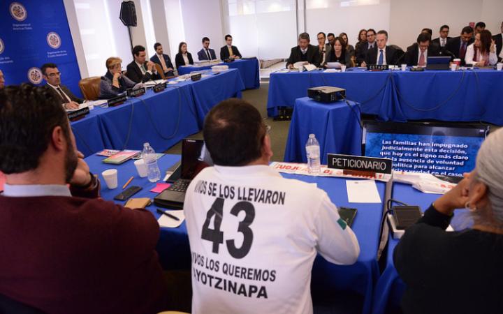 Imagen de la audiencia de Ayotzinapa   CIDH