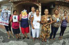 """""""Ese delincuente Arturo Bermúdez Zurita está en una cárcel, ahí va su familia y lo ve,  y yo no sé a dónde irle a llorar a mi hijo"""": Perla Damián Marcial, madre de desaparecido"""