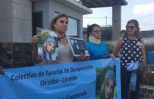 """Bajo el grito """"ni perdón ni olvido"""" se manifestaron madres de desaparecidos en Veracruz  frente al penal donde permanece Duarte"""