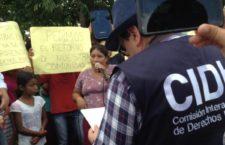 """""""Les pedimos con todo nuestro corazón que tomen conciencia y pongan el pecho al frente por nosotros"""": desplazados guatemaltecos"""