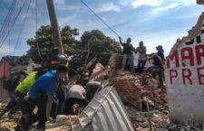 Migrantes centroamericanos ayudan a la reconstrucción de Oaxaca