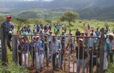 Campamento wixárika en el predio de 184 hectáreas que autoridades agrarias entregaron a integrantes de esa etnia en septiembre del año pasado | Arturo Campos