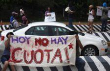 Manifestación de la CNTE en casetas, 2013 | Notimex