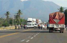 Damnificados del terremoto bloquean carreteras al Istmo y a la Costa