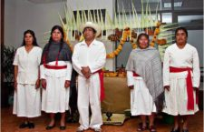 Mujeres matlatzincas rescatan su vestimenta tradicional