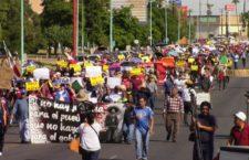 Marchan contra imposición de proyectos en Baja California