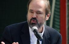 """""""No solo hay una crisis de la realidad, también hay una crisis de las ilusiones"""": Juan Villoro"""