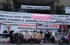 Mantienen huelga de hambre en Segob
