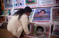 """""""No permitiremos que la PGR dé carpetazo cuando Enrique Peña Nieto esté por dejar la Presidencia"""": Cristina Bautista, madre de Ayotzinapa"""