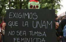 Marchan miles de estudiantes de la UNAM y colectivos para exigir justicia ante la muerte de la joven Lesby Berlin Osorio encontrada muerta en el campus universitario.