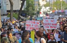 IMAGEN DEL DÍA | Marchan en Jalisco a un mes de desaparición de tres estudiantes