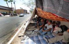 IMAGEN DEL DÍA | Migrantes, en huelga de hambre