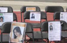 ECATEPEC, EDOMEX, 07AGOSTO2015.- Varias organizaciones civiles realizaron un foro tras la alerta de genero emitida en la entidad, en la plancha de la explanada municipal para exigir se resuelvan los cientos de casos de feminicidios. FOTO: DIEGO REYES /CUARTOSCURO.COM
