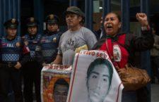 """Ayotzinapa: Repudio a defensa de la """"verdad histórica"""" de EPN"""