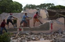 """FRASE DEL DÍA   """"Primero la reconstrucción de las casas, las escuelas, los hospitales"""": Obispo emérito Arturo Lona Reyes"""