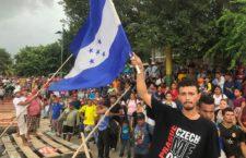 IMAGEN DEL DÍA | Migrantes hondureños marchan para exigir liberación de activista