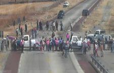 IMAGEN DEL DÍA | Pobladores de Amilcingo protestan en autopista por la muerte de Samir Flores