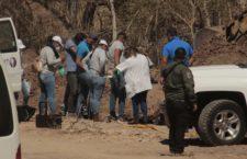 IMAGEN DEL DÍA | Rastreadoras hallan cuerpos en fosa clandestina en Mazatlán
