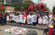 Ayotzinapa: Familiares saludan inicio de una nueva etapa en la investigación