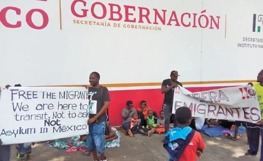 IMAGEN DEL DÍA | Protestan africanos por trato del INM