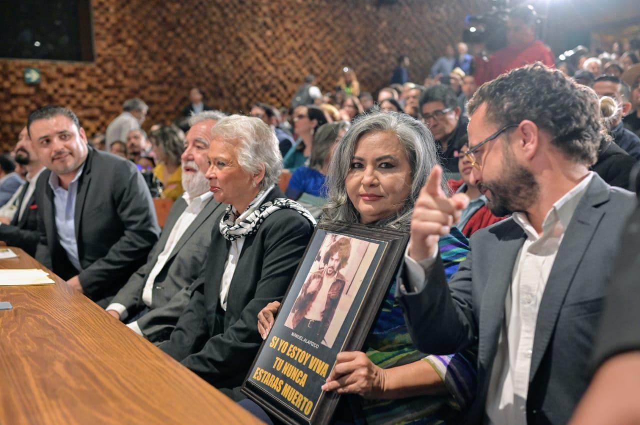 """Estar aquí es ganarle al olvido: Martha Camacho en la disculpa pública por la """"Guerra Sucia"""""""