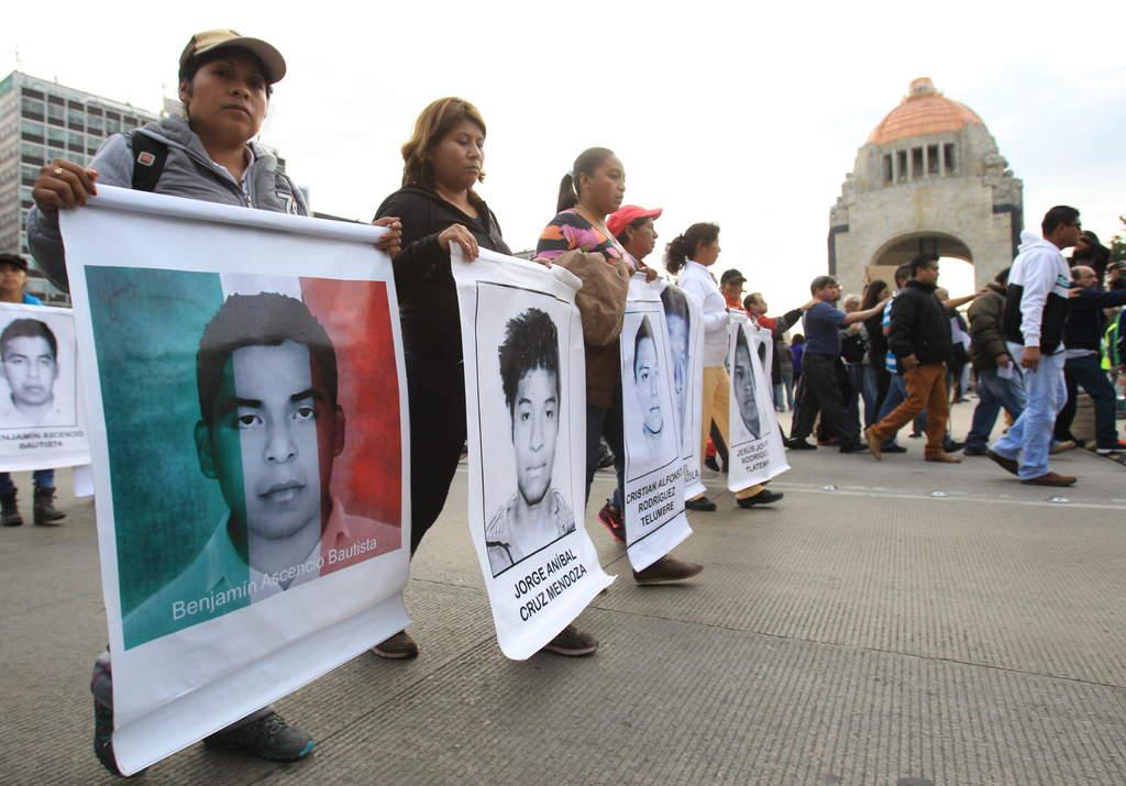 BAJO LA LUPA   Ayotzinapa y la mentira histórica, por Maite Azuela
