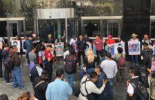 IMAGEN DEL DÍA   Padres de los normalistas de Ayotzinapa exigen agilizar la investigación