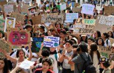 IMAGEN DEL DÍA   Jóvenes en Huelga Climática piden cancelar Dos Bocas y Tren Maya