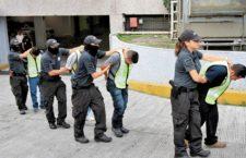 BAJO LA LUPA | 5 años de Ayotzinapa, por Carmen Aristegui