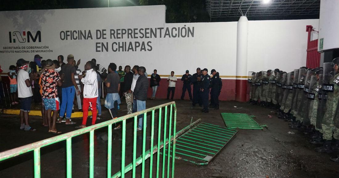 IMAGEN DEL DÍA | Migrantes y elementos de la Guardia Nacional chocan en Tapachula