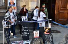 IMAGEN DEL DÍA | Familiares de desaparecidos reclaman falta de resultados y apoyo frente a Palacio Nacional