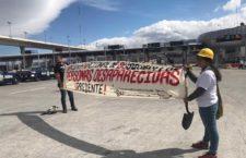IMAGEN DEL DÍA | Familiares de desaparecidos toman caseta México-Cuernavaca