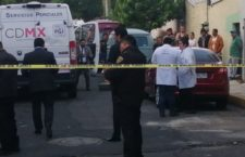 CIUDAD DE MÉXICO, 02OCTUBRE2019.- Hallaron a un hombre muerto dentro de un auto, en la calle de Norte 1 y Oriente 112, colonia Tlacamaca de la alcaldía Gustavo A. Madero.  FOTO: ARMANDO MONROY /CUARTOSCURO.COM