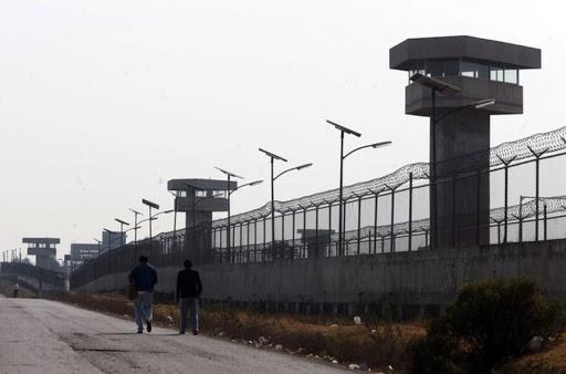 Traslado masivo de personas de penal de Puente Grande; legalidad en duda