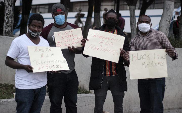 IMAGEN DEL DÍA | Denuncian racismo en detención de haitianos