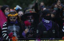IMAGEN DEL DÍA | Colectivos de mujeres realizan 'Caminata por la justicia' en CdMx