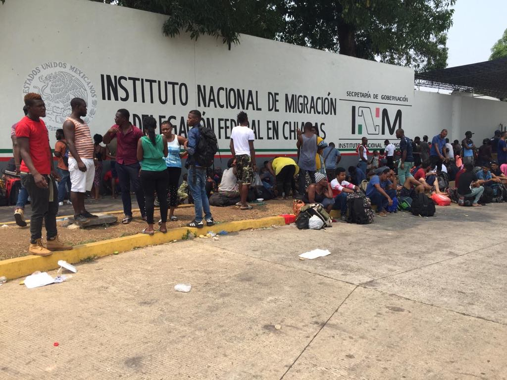BAJO LA LUPA   Incomunicación dentro de las estaciones migratorias, fuente de casos de desaparición, por Adrián Estrada