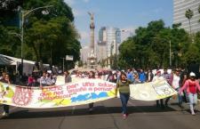 Movilización de aspirantes no aceptados sobre Paseo de la Reforma | Foto: Pablo Ramos