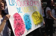 IMAGEN DEL DÍA   Marchan en Jalisco para exigir la localización de 3 estudiantes