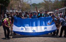 IMAGEN DEL DÍA | Avanzan cinco mil migrantes por Chiapas, pese a redadas de INM