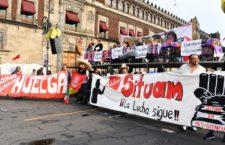 IMAGEN DEL DÍA   Sindicato de la UAM hace plantón en el Zócalo; exigen que los reciba AMLO
