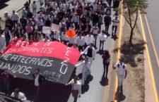 HOY EN LOS MEDIOS   12 de abril