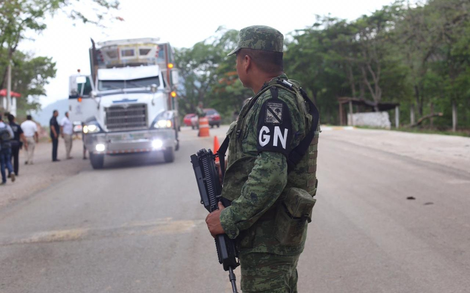 Admiten amparo de Centro Prodh contra entrega de mando operativo de la Guardia Nacional a la Sedena