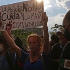 GUADALAJARA, JALISCO, 06JUNIO2020.- Cientos de personas marchan por el centro de la ciudad de Guadalajara en el tercer día de protestas por la muerte del joven Giovanni López a mano de la policía de Ixtlahuacán de los Membrillos. FOTO: FERNANDO CARRANZA GARCIA /CUARTOSCURO.COM